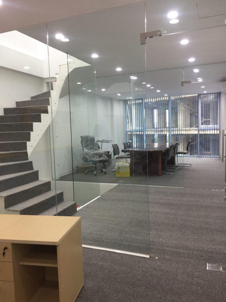 Thảm văn phòng Na với tông màu xám trang nhã tinh tế
