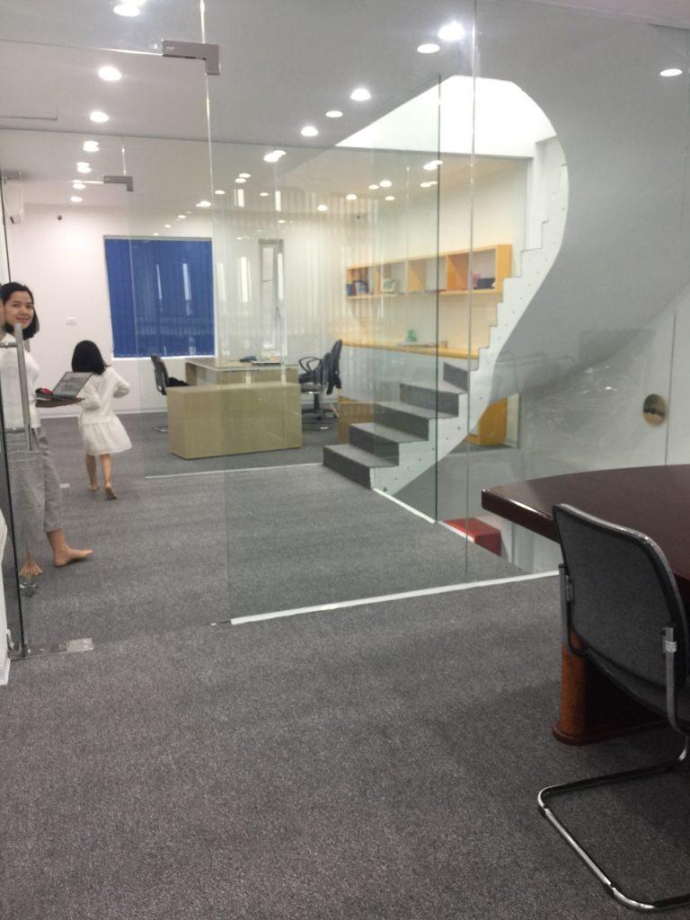 Không gian văn phòng thu hút ánh nhìn và trở nên sang trọng hơn rất nhiều